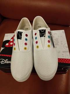 迪士尼 白色彩色洞孔仿皮休閒鞋