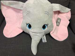 🚚 香港🇭🇰迪士尼特價優惠中  小飛象抱枕