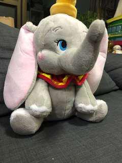 🚚 香港🇭🇰迪士尼特價優惠中  小飛象坐姿玩偶