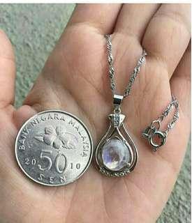 Moonstone Pendant free charm (Love crystal) 月光水晶吊坠送项链