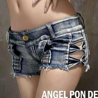 #預購 #女裝 新款歐美風破洞磨白測簍空超低腰熱褲 360元 尺碼👉S~L