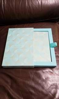 全新 Tiffany & Co. 珍藏利是封一盒 (內有8個)