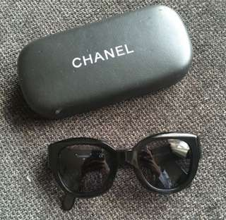Reduced! Chanel Vintage black Sunglasses
