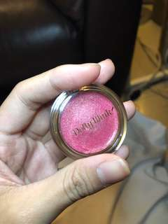 Dolly Wink creme eyeshadow