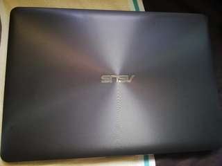 SELLING ASUS VIVOBOOK X442U GOOD AS NEW
