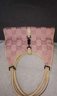 90% new Real Cucci hang bag