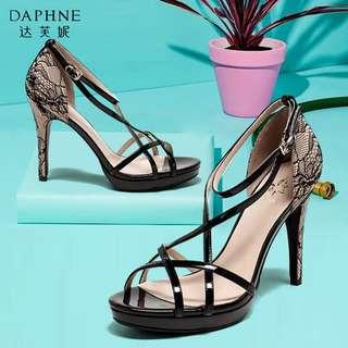 🚚 Daphne/達芙妮女鞋夏季時尚蕾絲交叉帶一字扣高跟鞋涼鞋全新清倉 挑戰最低價 任選3雙免運費