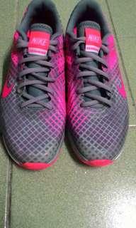 正版Nike traning dual fusion慢跑鞋24.5