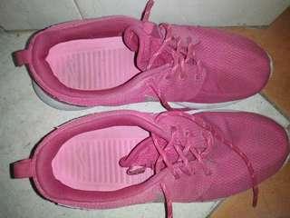 Nike Roshe Run pink
