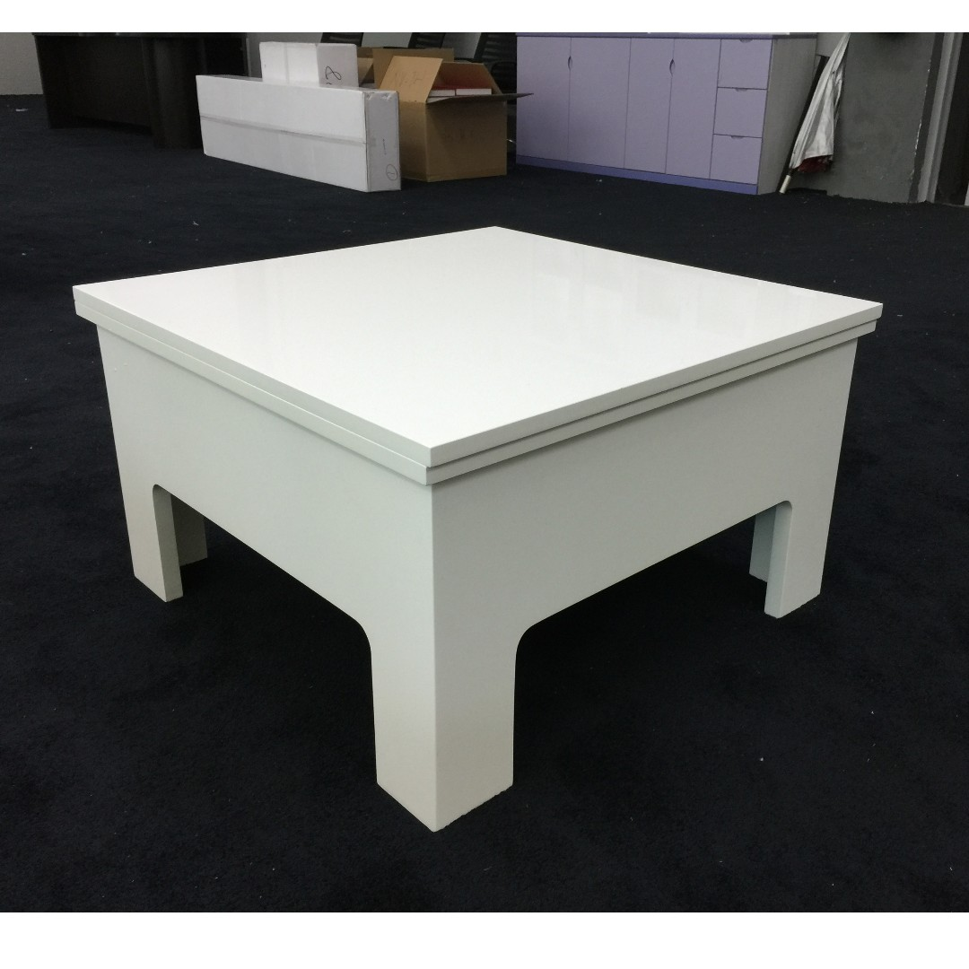 White Lift Up Coffee Table.Lift Up Coffee Table