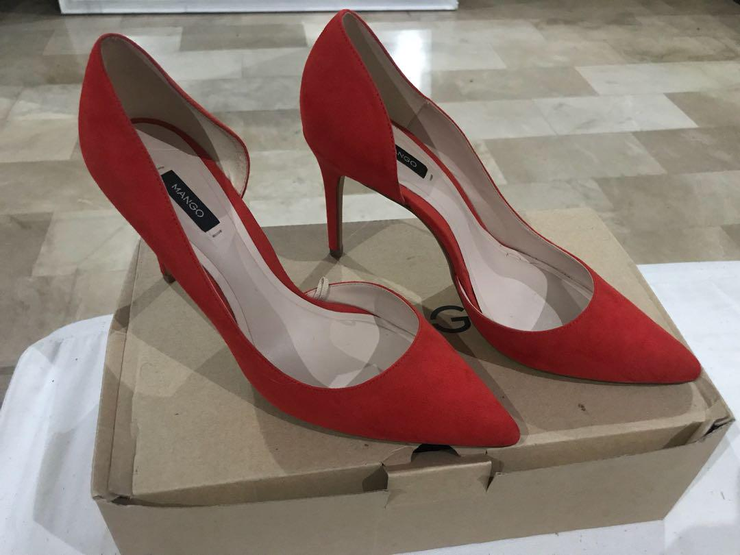 86ae2167f39 Mango red pumps on Carousell