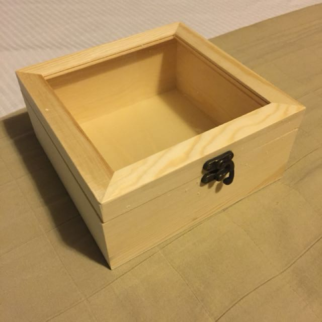 Small Wooden Gift Box With Glass 25 Units