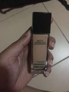 🚚 Maybelline Fit Me Foundation