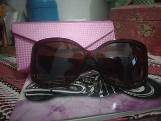 Kacamata D&G