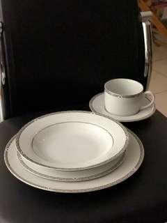 Royal Doulton 5 Pieces Set Plate Mug Porcelain