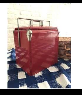 🚚 Crate & Barrel 復古野餐不鏽鋼移動冰箱