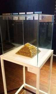 Glass Display for Exhibit