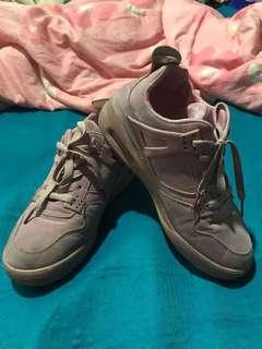 🚚 休閒運動鞋