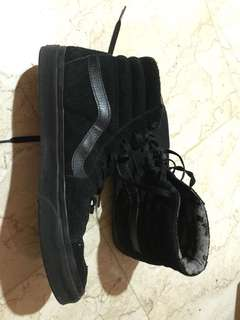 Vans suede all black
