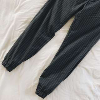 🚚 Uniqlo - 棉質束口褲 灰色S 二手