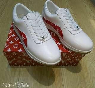 Sepatu Sneakers Casual, Premium Quality (import). Sebelum order konfirmasi stock dan sizenya