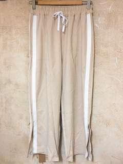 <全新> 杏色白邊運動褲 休閒褲 闊褲 像根頭