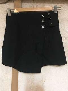 <全新> 黑色綁帶短裙褲