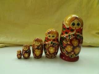 俄羅斯娃娃 (原木手雕,100%手製上色)