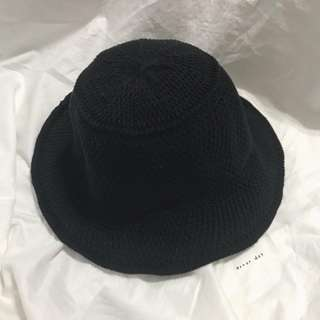 。error dot。平頂編織漁夫帽