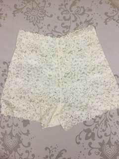 🚚 白色高腰小褲