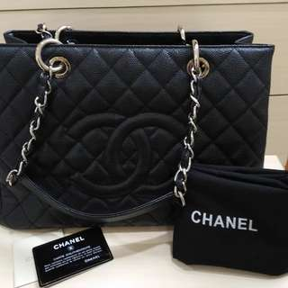 Preloved CHANEL GST BLACK AUTHENTIC , good condition