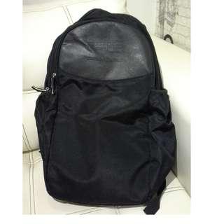 Jual Cepat Kpd Penawar Tertinggi Dlm 30Hari: Backpack Hitam Spec Ed NUS