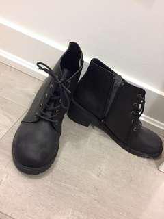 Short black boots size 7