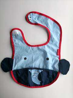 PRELOVED SKIP HOP ZOO TUCK-AWAY BIB BLUE ELEPHANT - in excellent condition