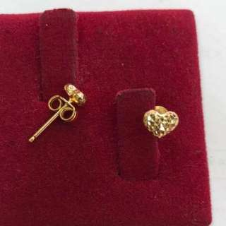 18K Saudi Gold Heart earring