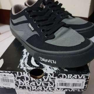 Draven Shoes size 6M/8WM