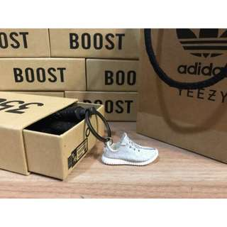 🚚 [FutureStore]❗️少量現貨❗️ Adidas yeezy boost 350 v2 灰 初代灰 肯爺 吊飾