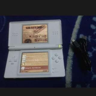 Nintendo Ds Lite + 32 Games