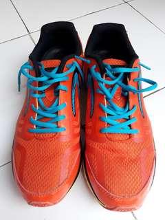 Sepatu Runnibg Merk Spec