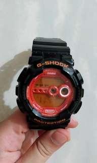 80%新 黑橙色G-SHOCK手錶 GD-100hc