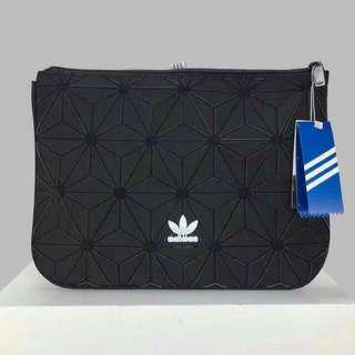 💥Adidas Original Sleeve 3D Clutch Bag/Adidas issey miyake clutch(promo price)