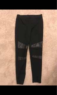 Country road (Size M) black pointe/biker pants