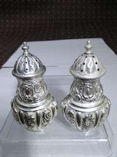 UK Antique 1900 Sterling Silver Salt/ Pepper Shakers, HM Henry Matthews, 59.93g Totally, 英國純銀古董鹽罌/香料瓶