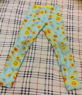 Zara Girl's Sunflowers legging - preloved dize 5-6 yr