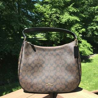 COACH SIGNATURE ZIP SHOULDER BAG IN BROWN BLACK