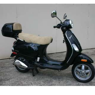 Vespa LX150 Primavera $14k with top-box OTR  B4 Insurance  D/P $500 or $0 With out insurance (Terms and conditions apply. Pls call 67468582 De Xing Motor Pte Ltd Blk 3006 Ubi Road 1 #01-356 S 408700.
