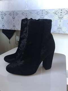 Pretty little thing velvet boots