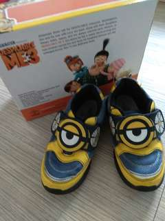 Minion shoes size 29