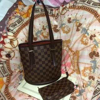 LV Louis Vuitton bucket bag