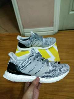 Adidas Ultraboost oreo 3.0 size 11 US
